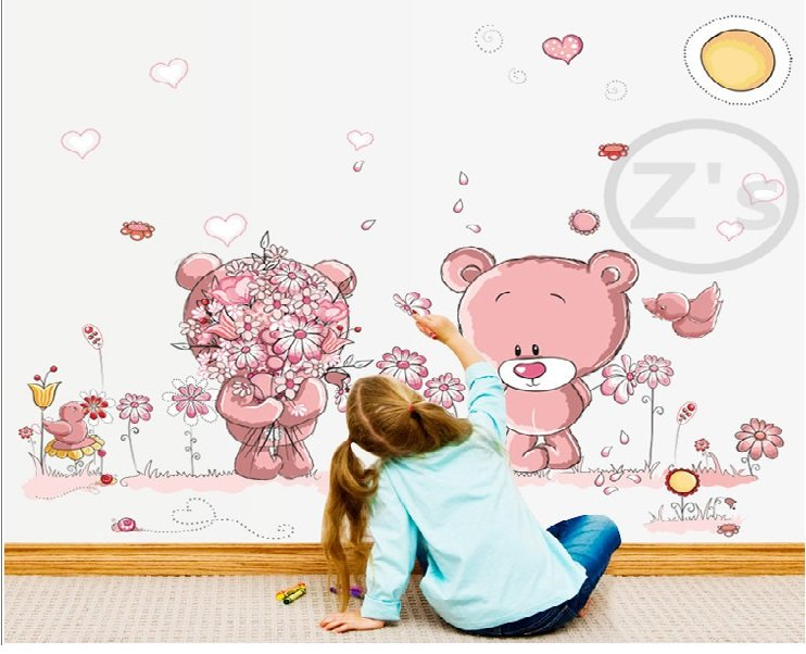 How to Apply a Vinyl Wall Sticker to the Wall of Your Home