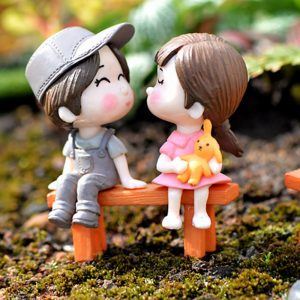 Home-Mini-PVC-Couples-Figurines-Cute-Boy-and-Girl-Lovers-Dolls-for-Home-Decor-Fairy-Garden.jpg