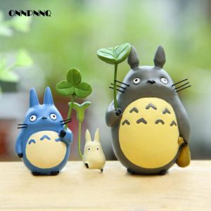 Totoro-Doll-With-Leaves-Pendulum-Miniatures-Figurines-Cartoon-Animal-Diy-Micro-Landscape-Miniature-Garden-Statuette-Decoration.jpg